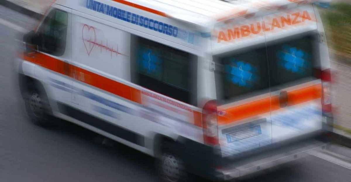 Tragedia a Corropoli, muore un sedicenne investito mentre spingeva la sua moto