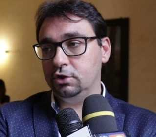 "VIDEO | VIA MUZII, D'ALBERTO INCONTRA I PRIVATI: ""DATO ULTIMATUM,  L'AREA VA DISSEQUESTRATA"""