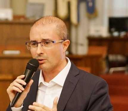 """PETTINARI FA LE PULCI AL BILANCIO REGIONALE:  """"PAOLUCCI DÀ I NUMERI, DISAVANZO NON E' STATO RIDOTTO"""""""