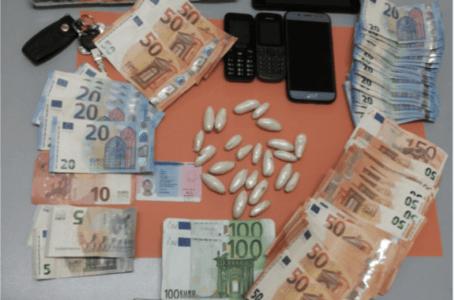MARTINSICURO, OCCULTAVA L'EROINA NELLA STUFA: ARRESTATO CORRIERE DELLA DROGA NIGERIANO