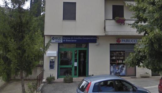 RAPINA COL TAGLIERINO ALLA BCC DI CASTEL CASTAGNA: BOTTINO 10.000 EURO