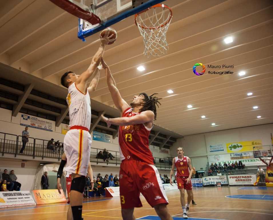 Basket B, a Pescara senza paura: l'Etomilu punta all'exploit