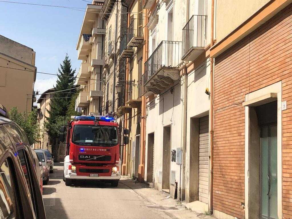 Teramo, principio di incendio in via Stazio: pronto l'intervento dei Vigili del Fuoco