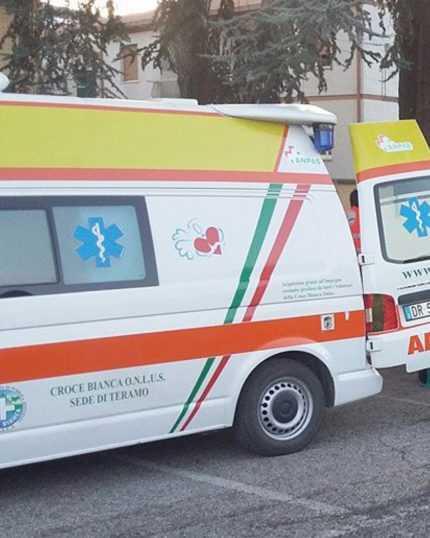 Coronavirus, la Croce Bianca mette a disposizione della Rianimazione del Mazzini un ventilatore polmonare e due monitor