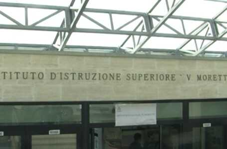 """Scuola, il """"Moretti"""" di Roseto inaugura """"Web Radio Moretti"""""""
