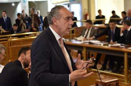 """Consiglio Abruzzo, Legnini si dimette da consigliere: """"Grazie Presidente Sospiri"""""""