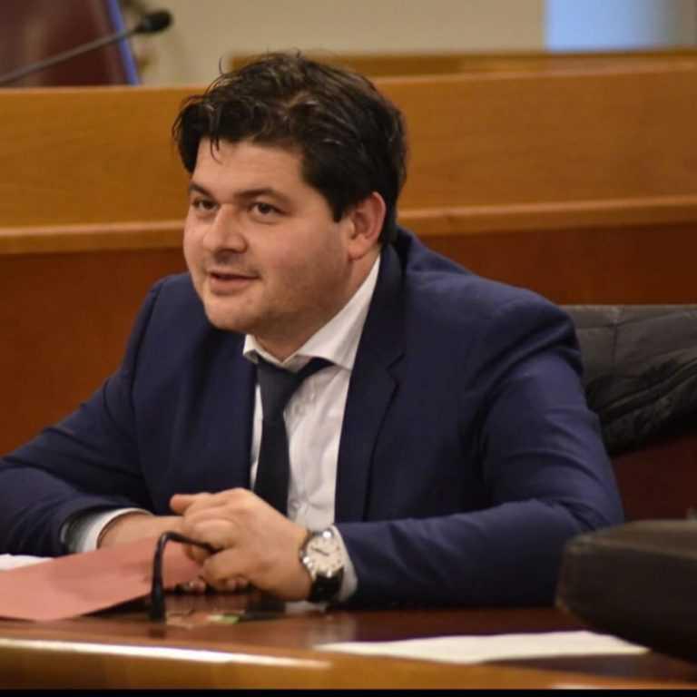"""Prati di Tivo, Mariani: """"Impianti ancora fermi: Regione e Provincia che fanno?"""""""