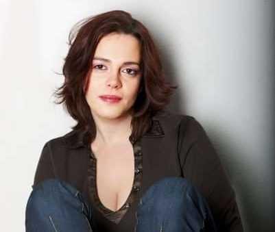 Pineto, un viaggio verso l'alba con la scrittrice Carmela Scotti