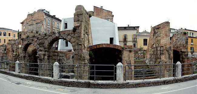 Teatro Romano di Teramo, via alla riqualificazione: autorizzato abbattimento dei palazzi Adamoli e Salvoni