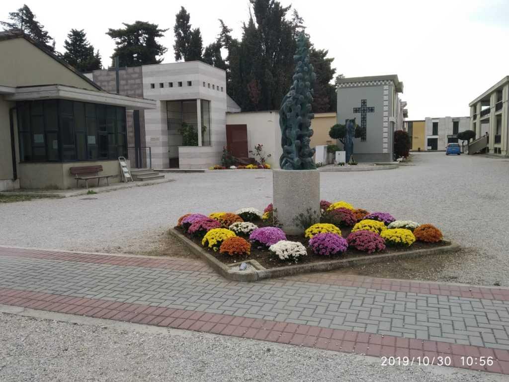 Roseto, giro di ricognizione nei cimiteri per l'assessore Tacchetti: entro 15 giorni il via ai lavori per i nuovi 360 loculi