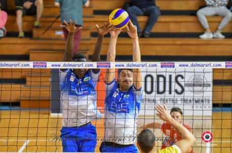 Volley, la Blueitaly Pineto incappa nella prima sconfitta contro Osimo