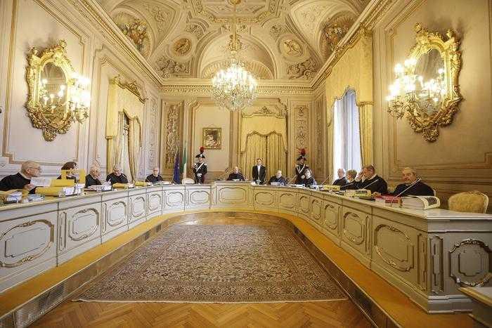 La Corte Costituzionale nelle Scuole, il giudice Franco Modugno il 28 novembre a Teramo