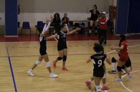 Pallavolo, riscatto della Futura Volley Teramo contro Nereto: 3-0 perfetto delle biancorosse!