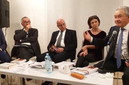 FOTO | Teramo, grande partecipazione all'incontro con il  magistrato Edmondo Bruti Liberati