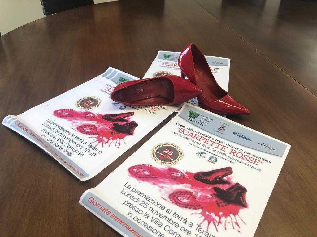 foto e video scarpette rosse concorso di poesie e racconti per bambini lunedi la premiazione nella giornata contro la violenza sulle donne ekuonews it giornata contro la violenza sulle donne