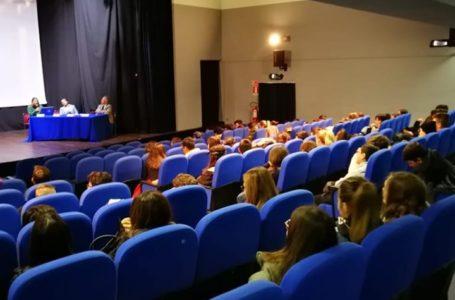"""Pineto, incontro con gli studenti su Progetto """"Sirena. Comunicare per Proteggere"""" con i comuni di Pineto e Crognaleto"""
