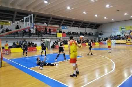 Basket B, parte male il 2020 per la Globo Giulianova sconfitta al PalaCastrum dal Cesena (56-82)
