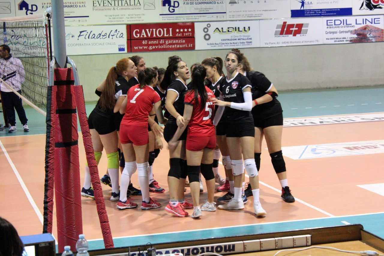 Volley, la Futura Teramo chiude la prima fase con un una secca sconfitta contro Fermo (0-3)