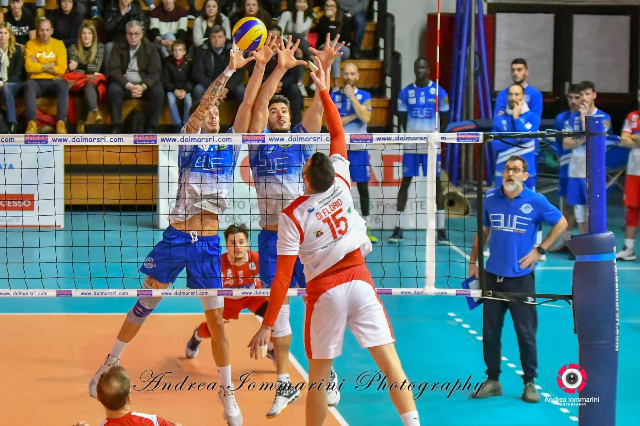 Pallavolo, la Blueitaly Pineto cede al PalaVolley: Bari vince 1-3 e conquista la vetta