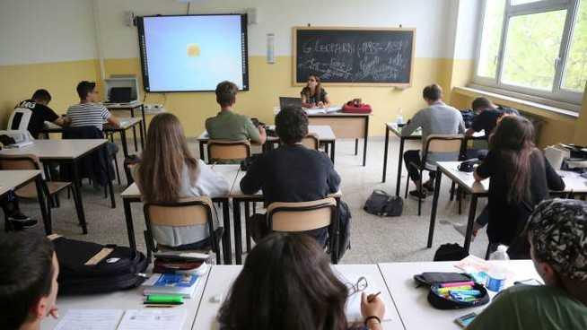 Scuola, CGIL: sono 1.586 i posti disponibili per le immissioni in ruolo. Intervenga la politica