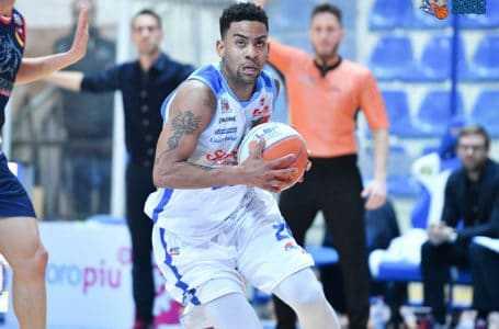 Basket A2, la Sapori Veri Roseto torna alla vittoria contro Piacenza (88-77)