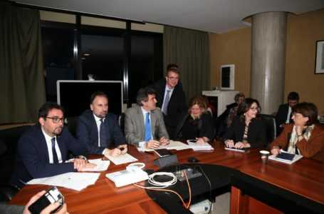 Emergenza coronavirus, Marsilio ha incontrato i sindaci: misure da adottare in modo uniforme