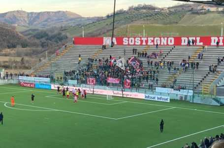 """Calcio C, vince facile il Teramo (3-0) contro il Rende ma registra strani momenti di """"nervosismo"""""""