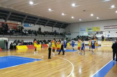 Basket B, la Globo Giulianova cade in casa contro la capolista Fabriano (57-74)