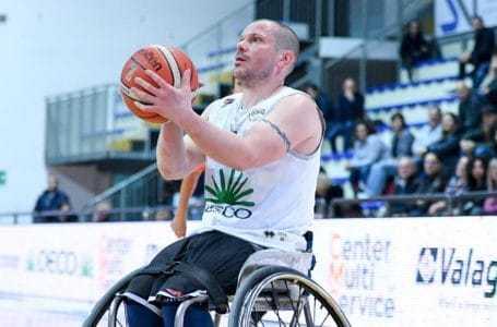 Basket in carrozzina, l'Amicacci blinda il quarto posto con una larga vittoria contro Bergamo