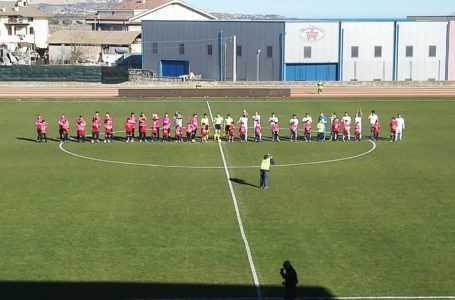 Calcio D, SN Notaresco non va oltre l'1-1 con il Tolentino: vincono le inseguitrici. Campionato riaperto