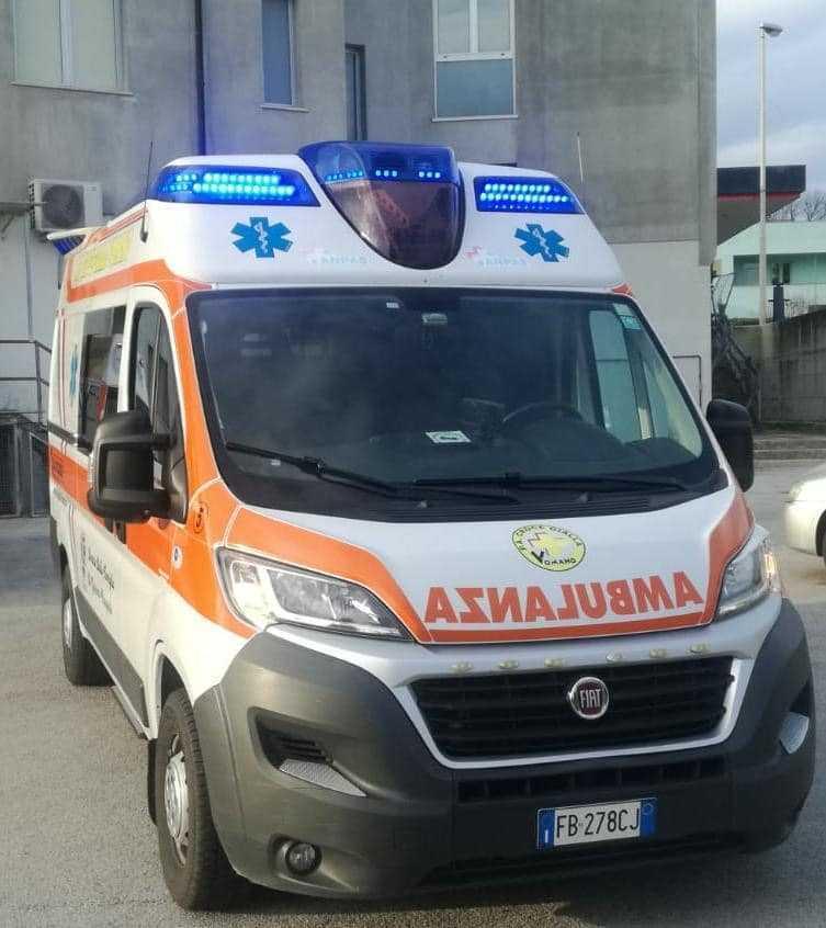 Moto contro guard-rail ad Ancona, padre e figlio di Martinsicuro in codice rosso