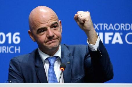 Calcio, Gianni Infantino: lavoriamo per far tornare i tifosi in sicurezza