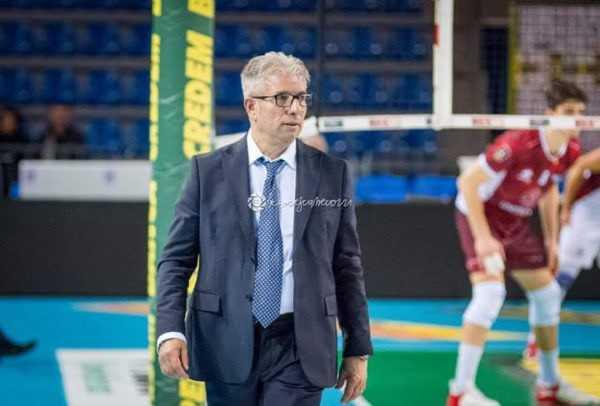 Volley, l'Abba Pineto ed il coach Giovanni Rosichini si separano
