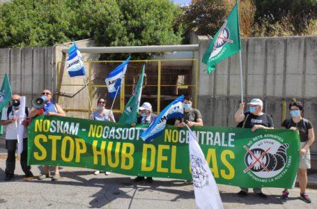 """Dall'Abruzzo a Civitavecchia per contestare il futuro """"fossile"""" dell'Italia: urgente fermare il cambiamenti climatico!"""