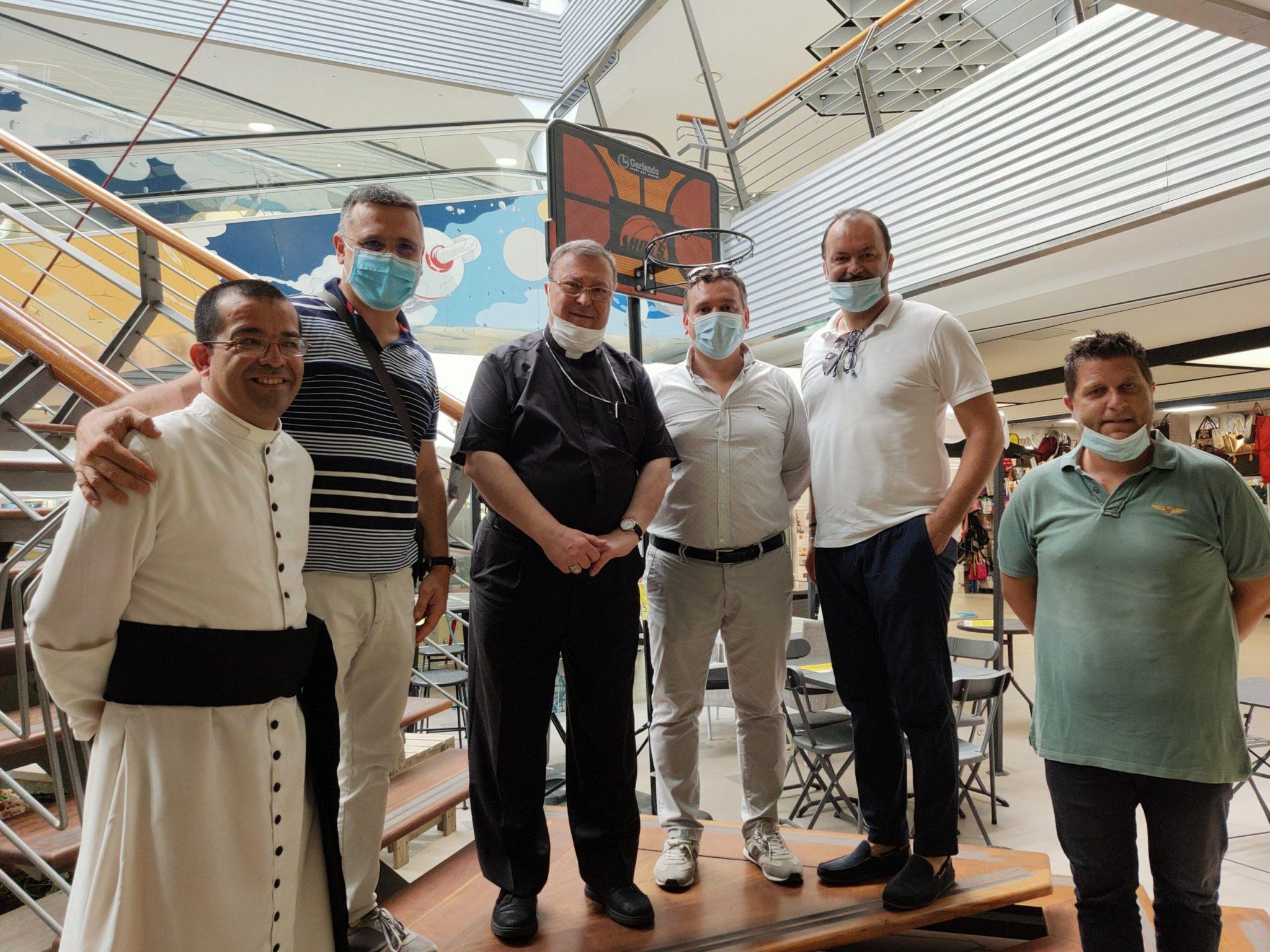 Silvi, il Vescovo Leuzzi incontra gli operatori commerciali