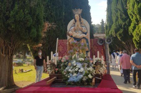 FOTO e VIDEO | Festa Madonna delle Grazie, la processione si rivisita con un pellegrinaggio itinerante sul furgone