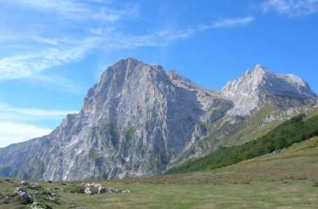 """Isola del Gran Sasso ed """"Il sentiero dei due Santi"""" fino ad Assergi"""