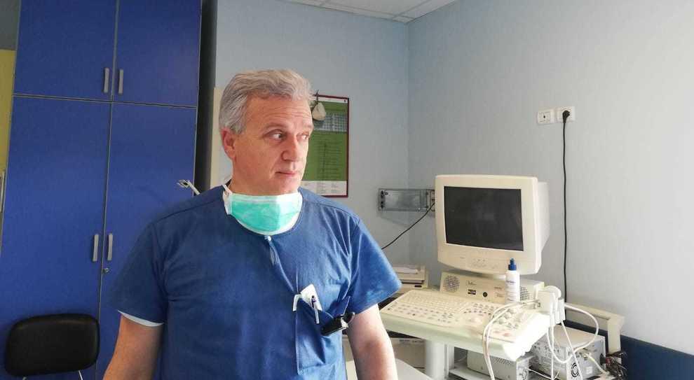 Coronavirus, l'infettivologo Grimaldi: chiudere oggi per riaprire a Natale