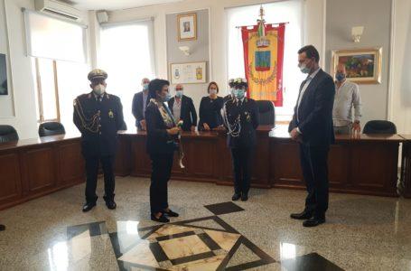 FOTO | Montorio, dal Commissario Chiara Fabrizi al Sindaco Fabio Altitonante: passaggio di consegne in Municipio