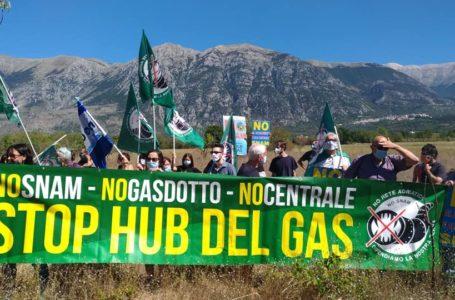 FOTO | Energia e clima, sit-in No Snam del Coordinamento No Hub del Gas