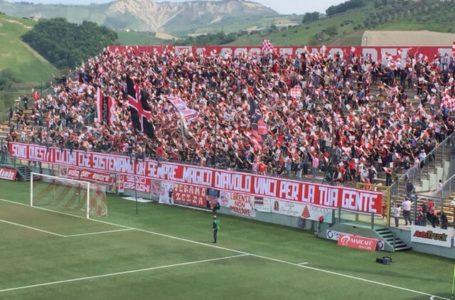 """Calcio, Teramo: i tanti distinguo del gruppo """"Teramo Zezza"""""""
