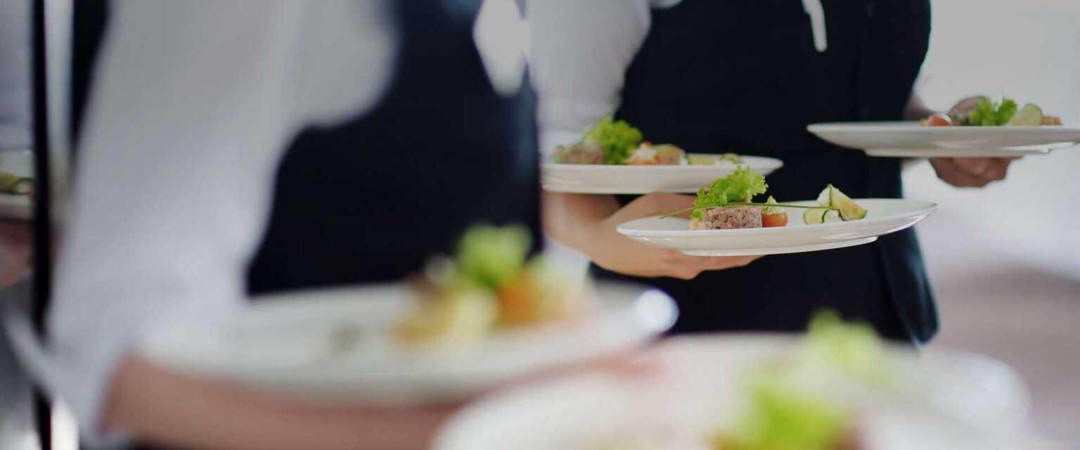 Riapertura, cresciute di 10 volte rispetto al 2020 le prenotazioni online nei ristoranti