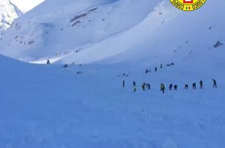 Dispersi Monte Velino, proseguono ricerche: cariche esplosive per mettere in sicurezza area valanga