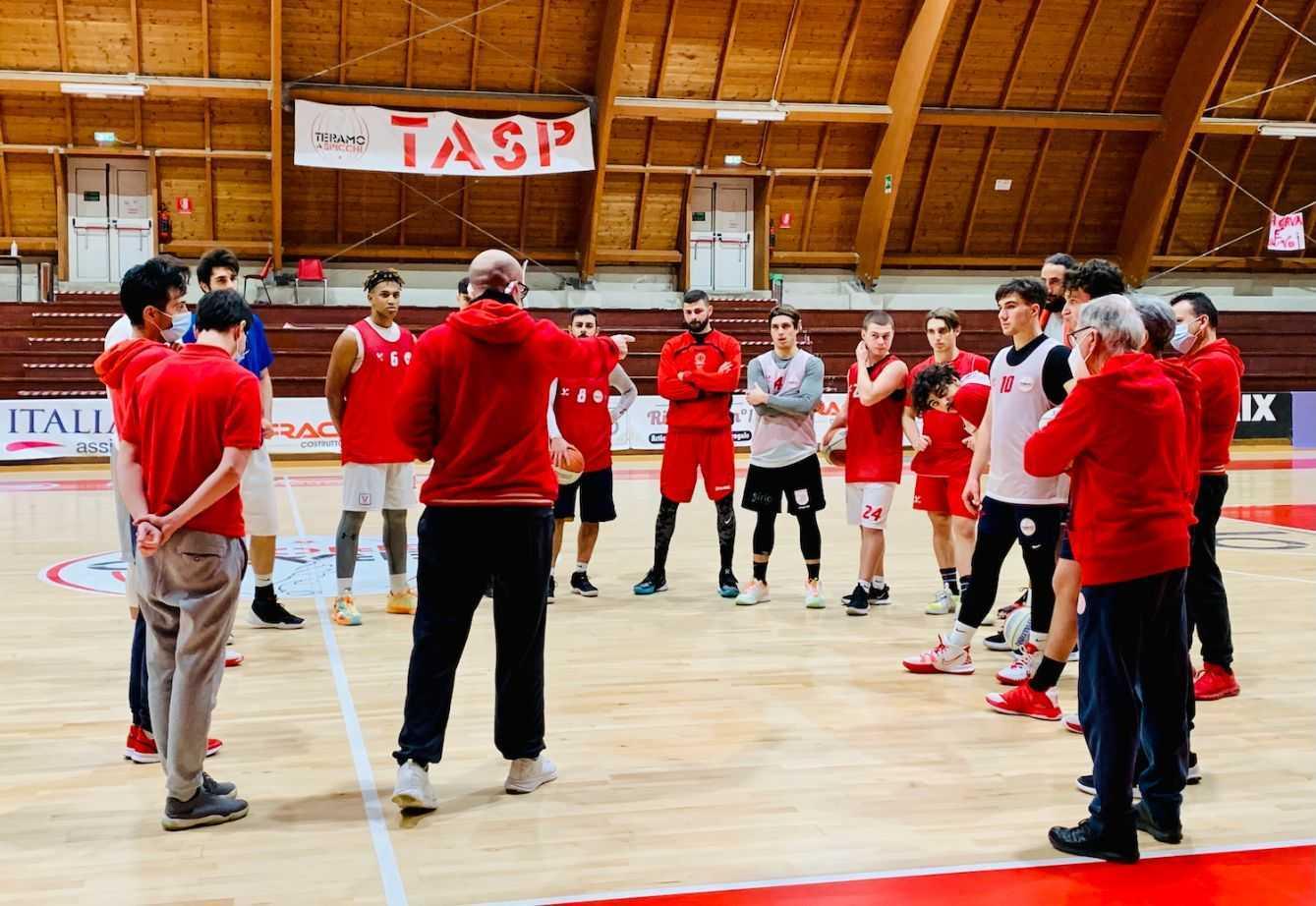 Basket B play-out, via alla serie con Montegranaro: la Rennova non può fallire