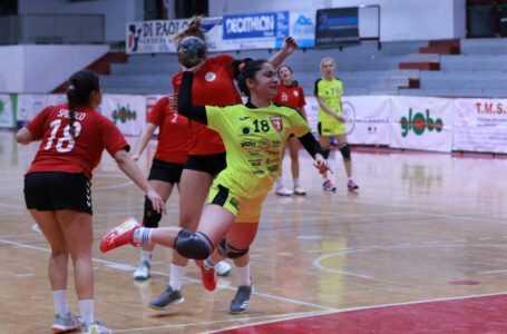 Handball donne, pokerissimo della Pallamano Teramo: battuto anche il Civitavecchia (33-27)
