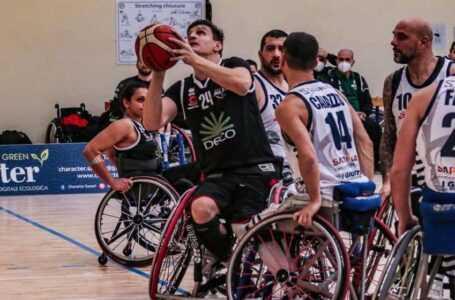 Basket in carrozzina, la Deco Amicacci espugna Sassari (50-60) e sale in classifica