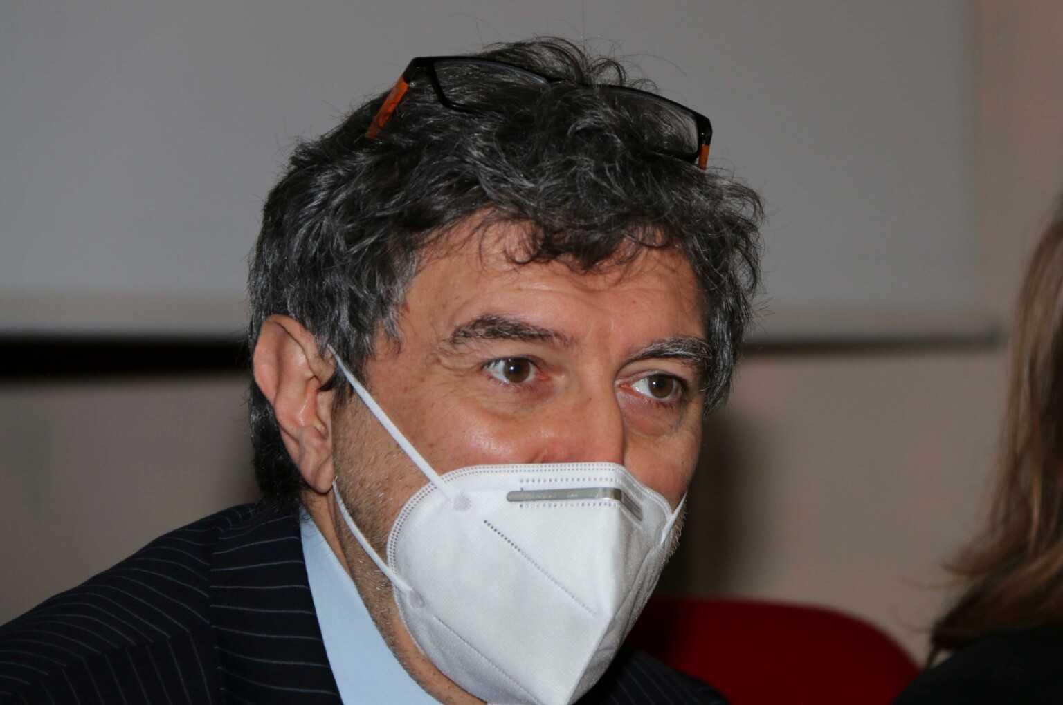 Zone rosse nell'aquilano, Marsilio: situazione critica, misure necessarie, esplosione contagi rischia di trascinare tutto l'Abruzzo in rosso