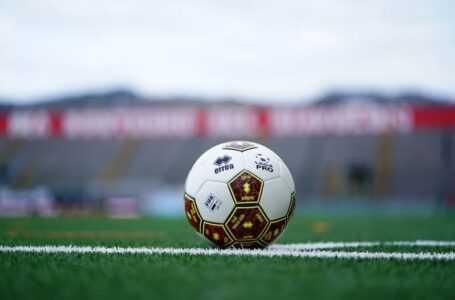 Calcio, Teramo: il programma settimanale di lavoro. Squalificati Piacentini e Bombagi