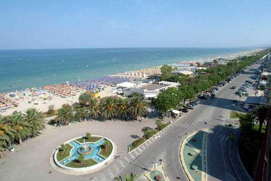 Movida incontrollata ad Alba Adriatica, lettera di protesta contro tale modello turistico