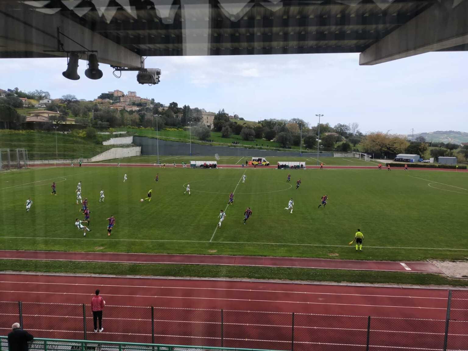 Calcio D/F: Campobasso a valanga sul Castelnuovo (4-0) Notaresco non molla (1-2) bene Pineto male Giulianova